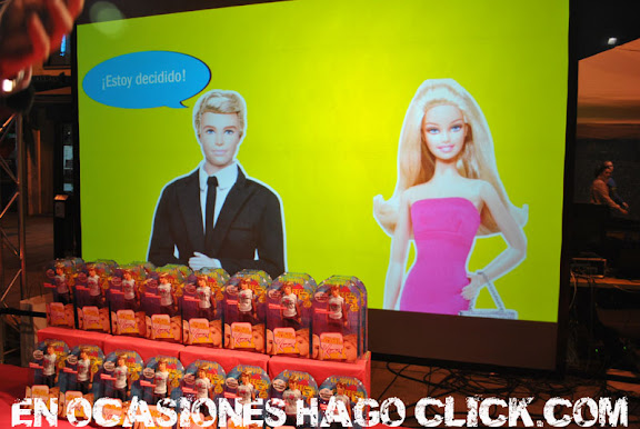 Evento Barbie y Ken en Madrid 2011 plaza callao. Gran Vía