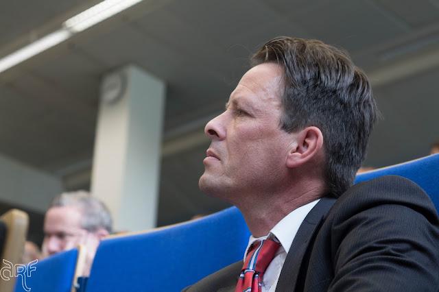 Professor G. van den Brink (Vrije Universteit Amsterdam)