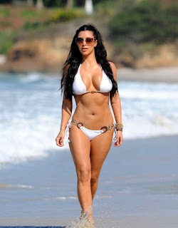 Kim Kardashian, Kim Kardashian Miami Beach Photos