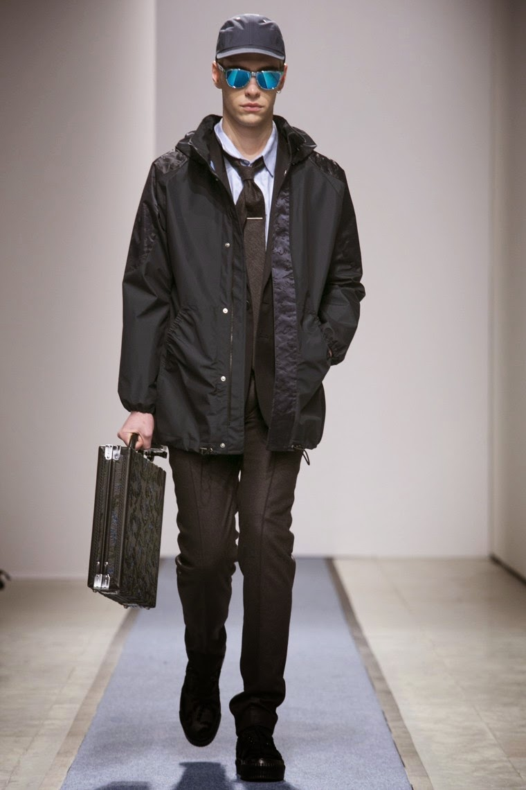 Julien David AW15, Julien David FW15, Julien David Fall Winter 2015, Julien David Autumn Winter 2015, Julien David, du dessin aux podiums, dudessinauxpodiums, PFW, mode homme, menswear, habits, prêt-à-porter, tendance fashion, blog mode homme, magazine mode homme, site mode homme, conseil mode homme, doudoune homme, veste homme, chemise homme, vintage look, dress to impress, dress for less, boho, unique vintage, alloy clothing, venus clothing, la moda, spring trends, tendance, tendance de mode, blog de mode, fashion blog, blog mode, mode paris, paris mode, fashion news, designer, fashion designer, moda in pelle, ross dress for less, fashion magazines, fashion blogs, mode a toi, revista de moda, vintage, vintage definition, vintage retro, top fashion, suits online, blog de moda, blog moda, ropa, blogs de moda, fashion tops, vetement tendance, fashion week, Paris Fashion Week