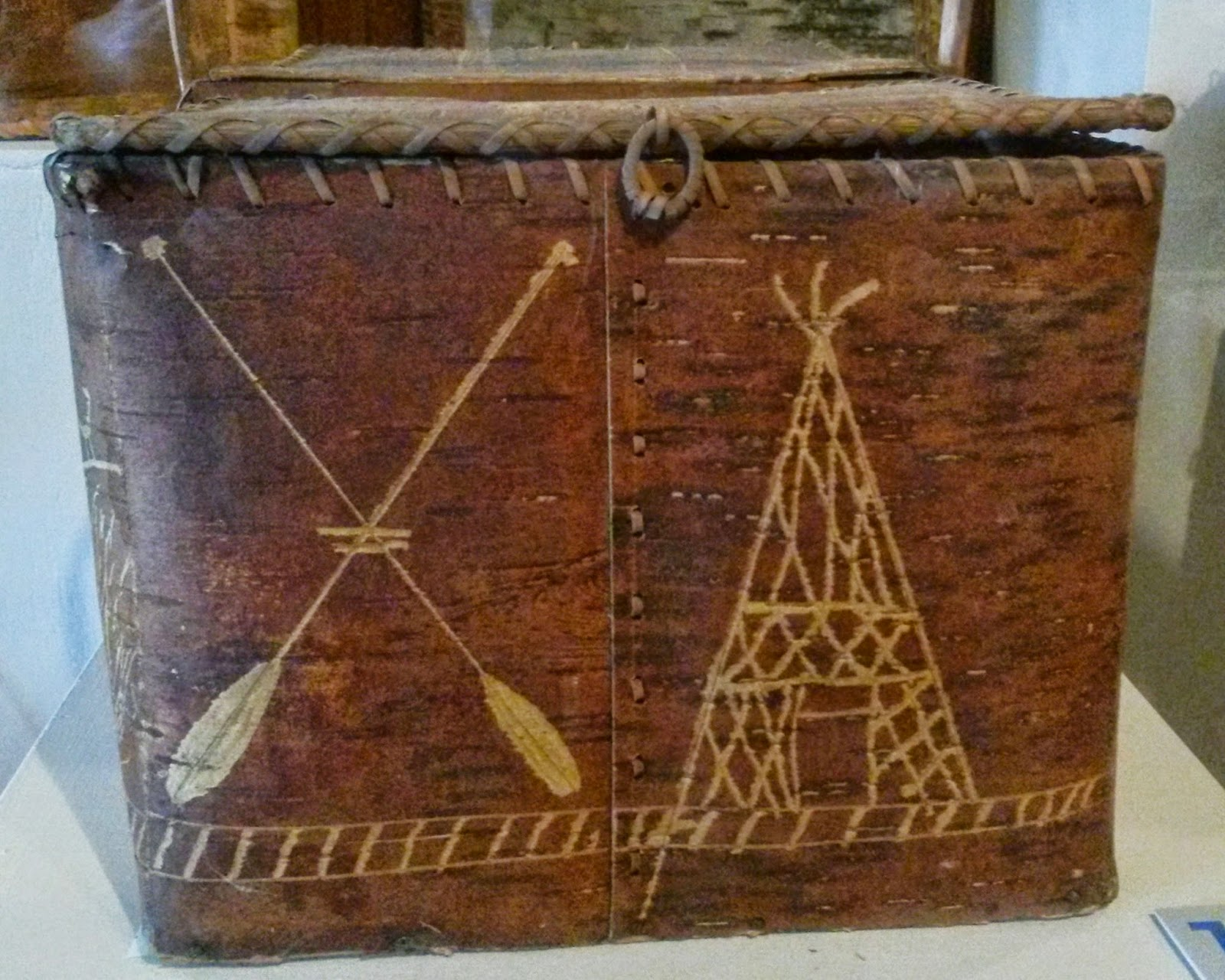 Incised Penobscot covered birch box