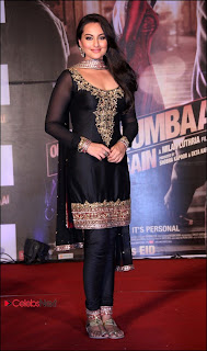 Sonakshi Sinha Pos in Sal Kameez at Outima Trailer Launch Event 0011.jpg
