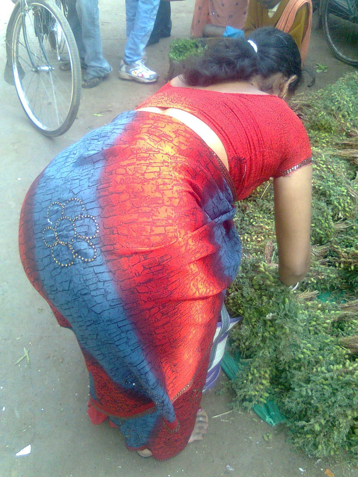 Bending Aunty Narmatha Back saree