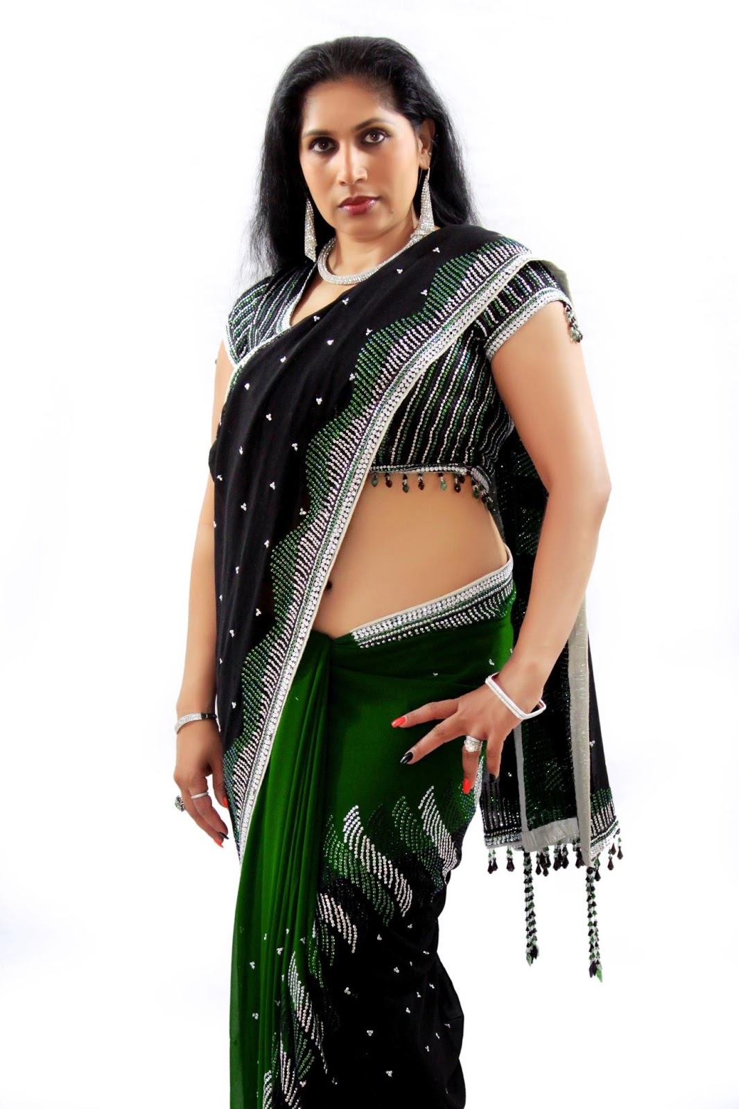 Mature aunty saree