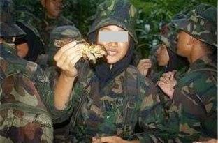 Askar Kita Makan Monyet