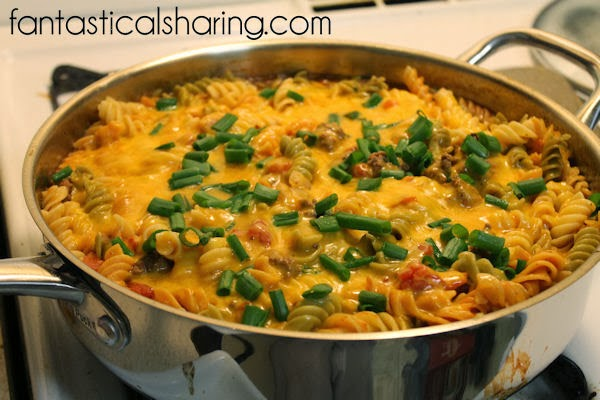 One Pot Cheeseburger Casserole | Dirty just one pot with this delicious #recipe