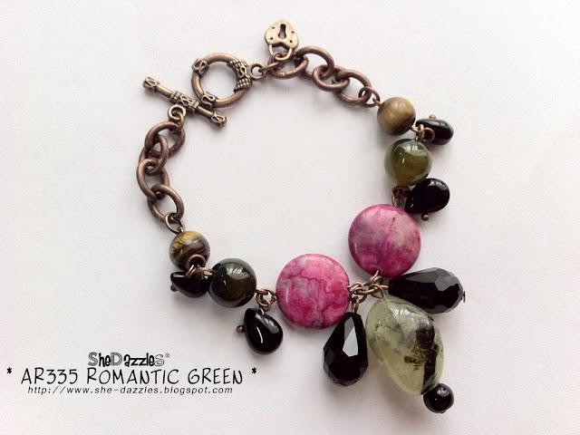 romantic-green-charm-bracelet