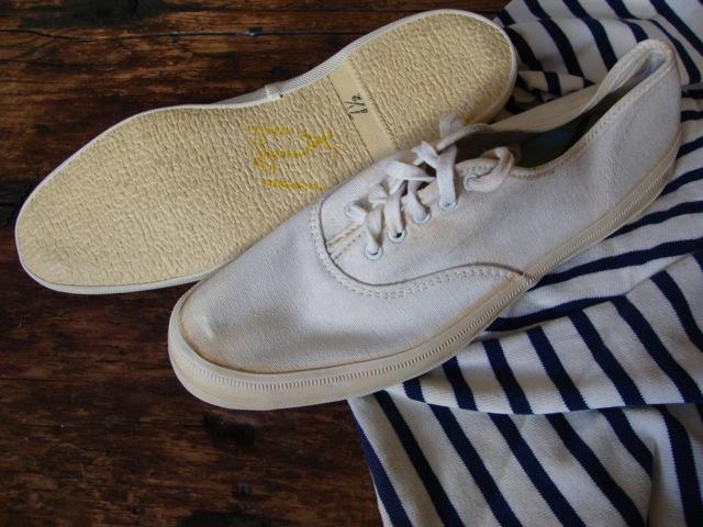 riveted vintage canvas oxford deck shoes