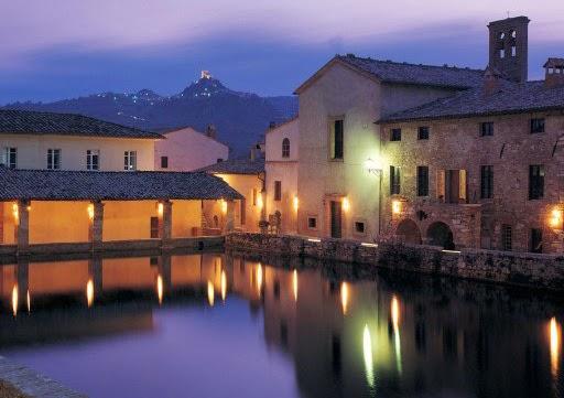 Bagno vignoni il loggiato di santa caterina e della real casa - Il loggiato bagno vignoni ...