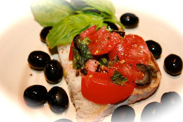 Brushetta : Tomato Salad