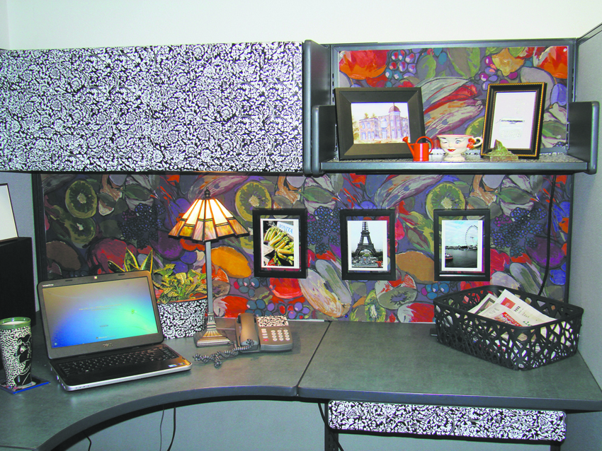 Office anything furniture blog 5 cool ways to customize for Cubicle wall decor