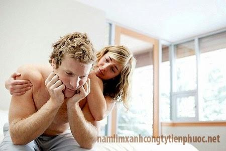 Yếu sinh làm nam giới mất tự tin trong chuyện ân ái (ảnh minh họa)