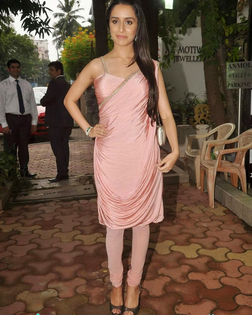 Shraddha+Kapoor+Latest+Hot+Spicy+Pictures006