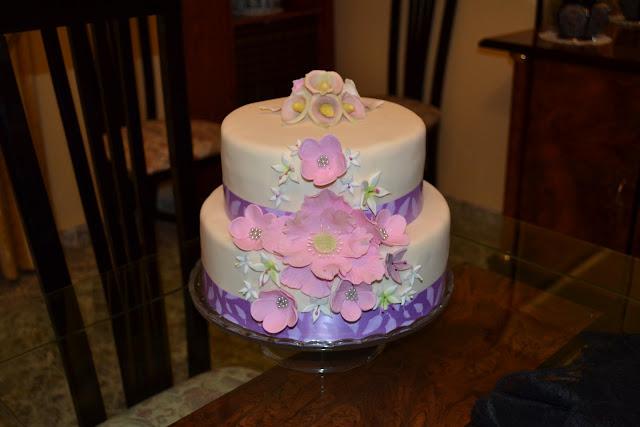 Tarta Festera elegante Flores boda fondant pasta de goma calas