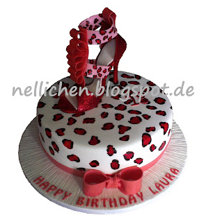 nellichen und die t rtchen gumpaste highheel mit leopardenprint torte zum 18. Black Bedroom Furniture Sets. Home Design Ideas