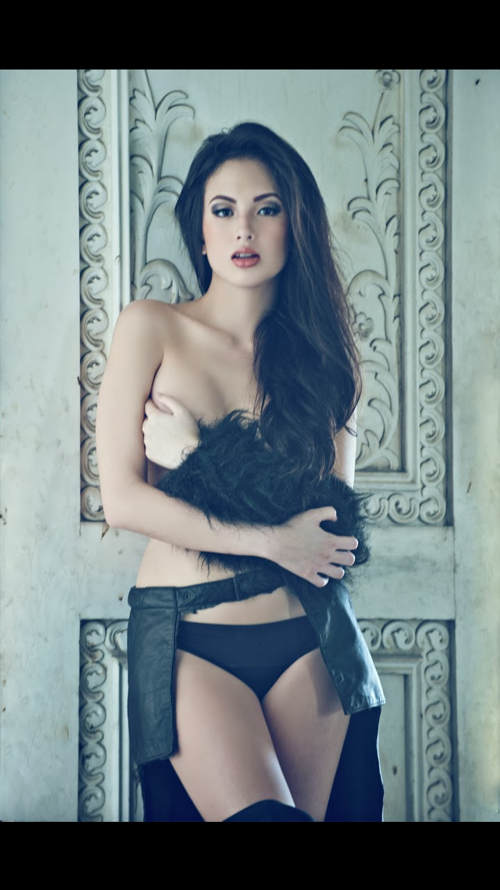 ellen adarna hot topless photos 03