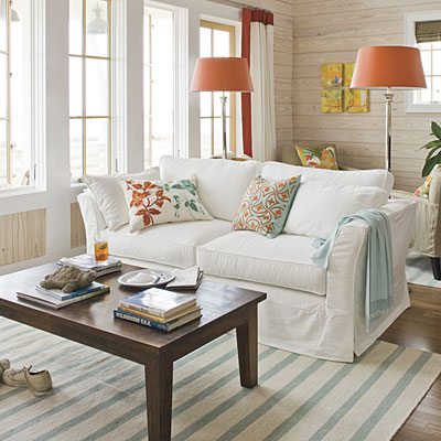 Mix and Chic: Home tour- A light and airy beach retreat!