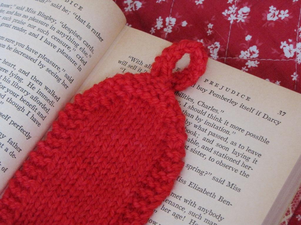 Knitting Bookmarks : Valentine heart bookmark knitting pattern natural suburbia