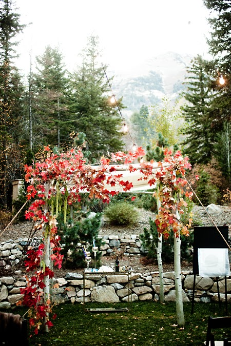 Rustic fall wedding decor ideas to bring nature to your reception photo credit brides junglespirit Gallery