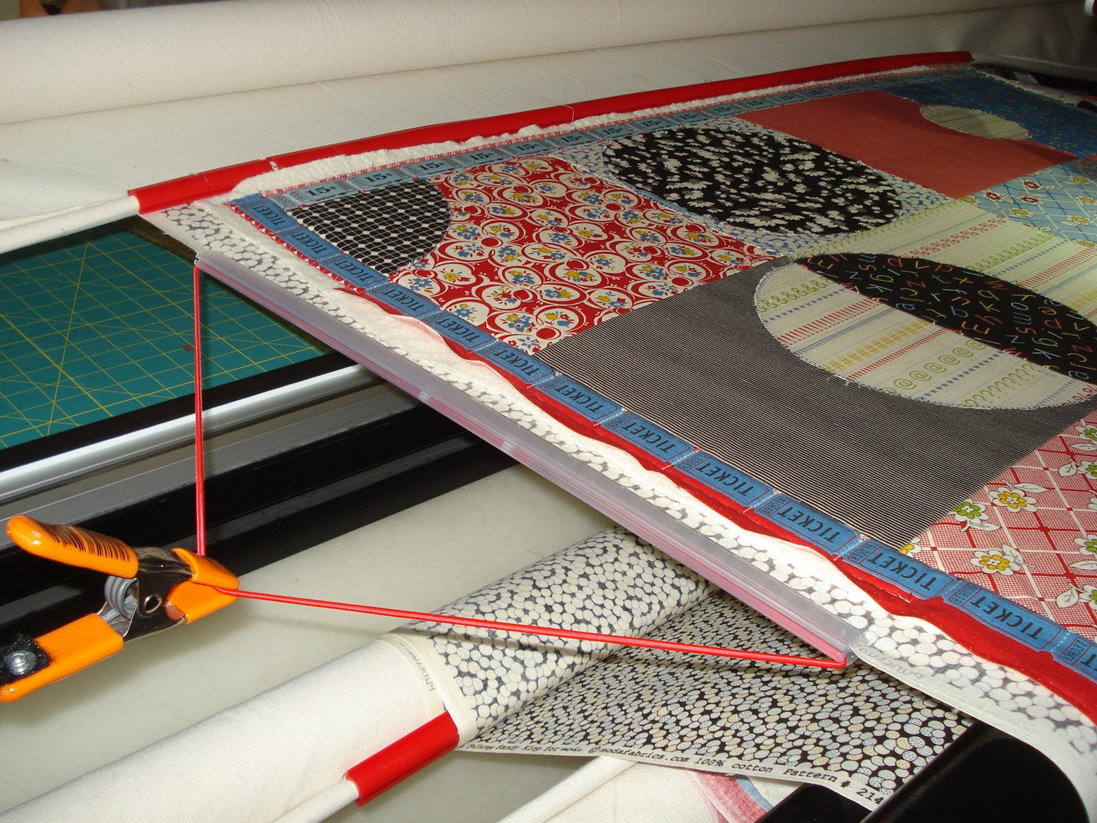 KISSed Quilts - Keeping It Simple and Stunning: Lessons with Zoe : red snapper quilt clamps - Adamdwight.com