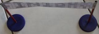 pondasi bendera finish dari tutup galon bekas