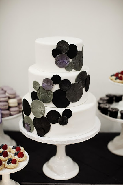 Modern Cake Art Ballarat : Modern Art Wedding Cake: Contemporary meets art deco ...