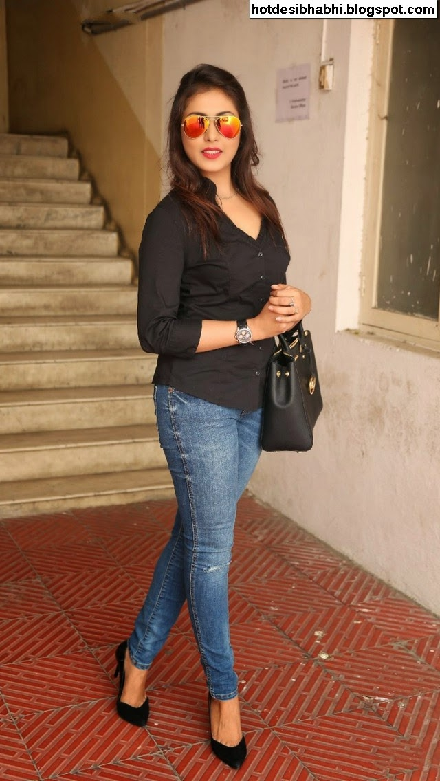 Madhu Shalini Latest Hot Pics
