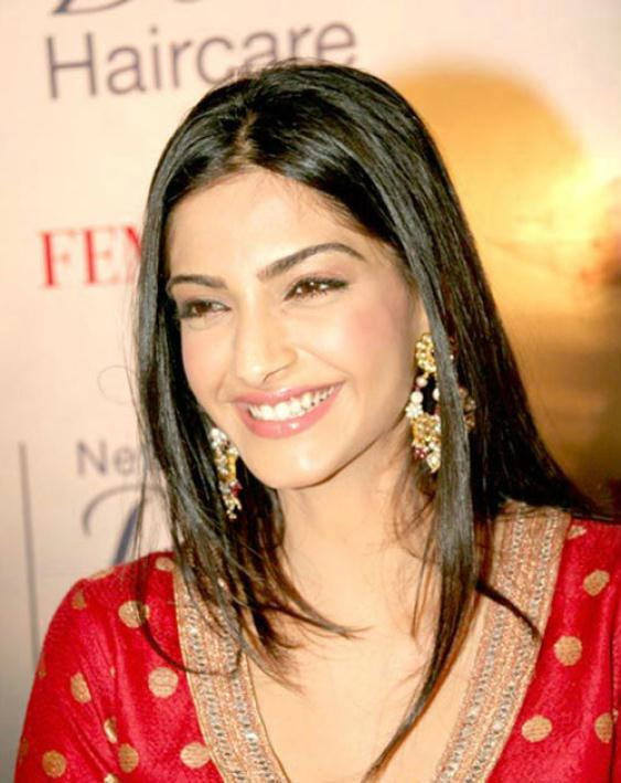 Sonam Kapoor Wallpapers Images