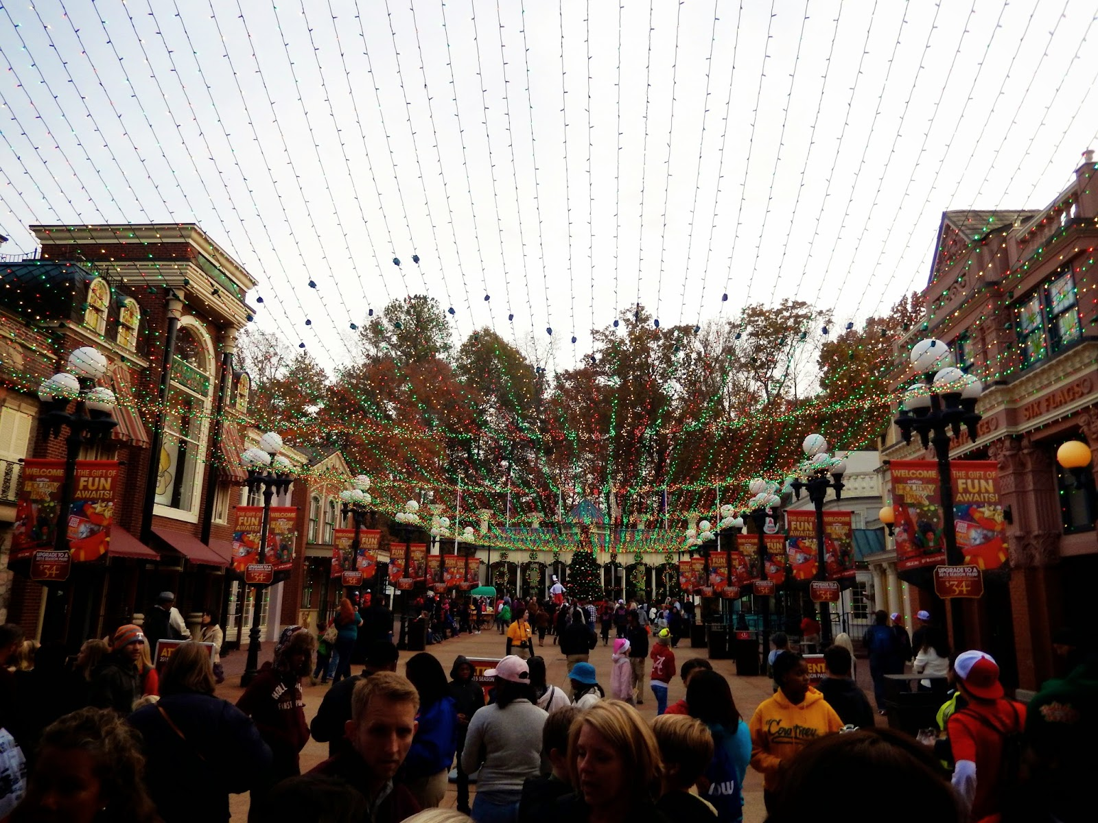 Thrillography: Holiday in the Park at Six Flags Over Georgia with ...