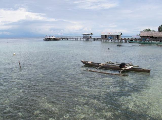 Sawing Rai, lautan dan perairan pantainya yang jernih