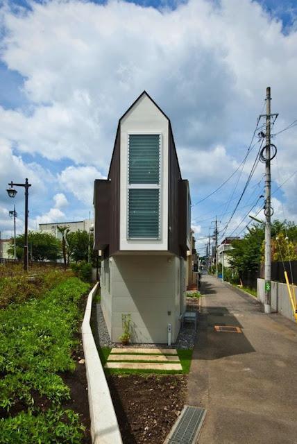 Casa num terreno minúsculo do arquiteto Kota Mizuishi