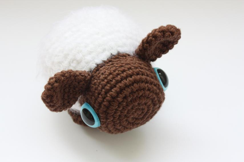 Amigurumi Yarn : HAPPYAMIGURUMI: Crocheted amigurumi sheep/Mouton amigurumi ...