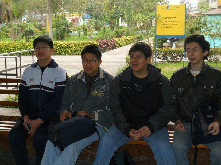 MEDALLA DE ORO EN LA XVI OLIMPIADA NACIONAL DE FISICA O.N.F. 2011.