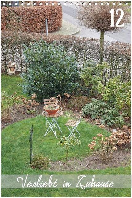 12tel Blick im Dezember -mein Moorbeet vom Balkon aus