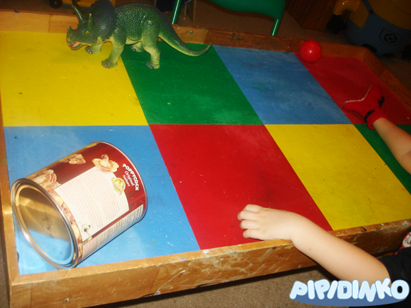 http://pipidinko.blogspot.ca/2014/02/gross-motor-skills-development-with.html#.Uw6za4VFClA