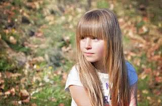 Model rambut panjang lurus anak cewek cantik