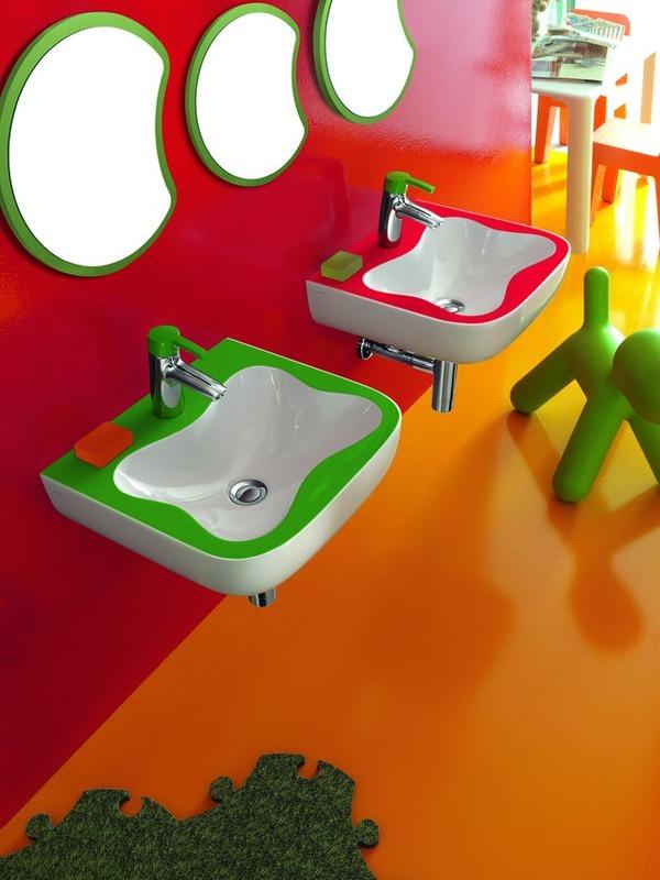 Juegos De Baño Rojos:de baño con Juegos y colorido para Niños por Laufen