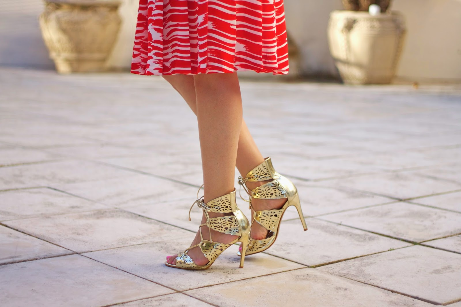 Shoedazzle shoes, shoedazzle flora heels in gold, shoedazzle flora heels, gold lace up heels, how to wear lace up heels