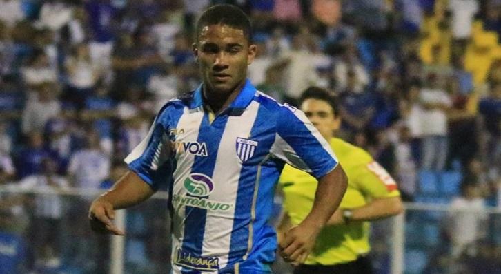 O jovem volante é tratado como uma das principais joias do Avaí (Luiz Henrique/FFC)