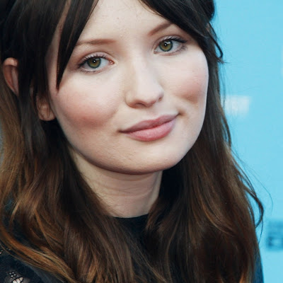 Emily Browning Height, Weight And Body Measurements