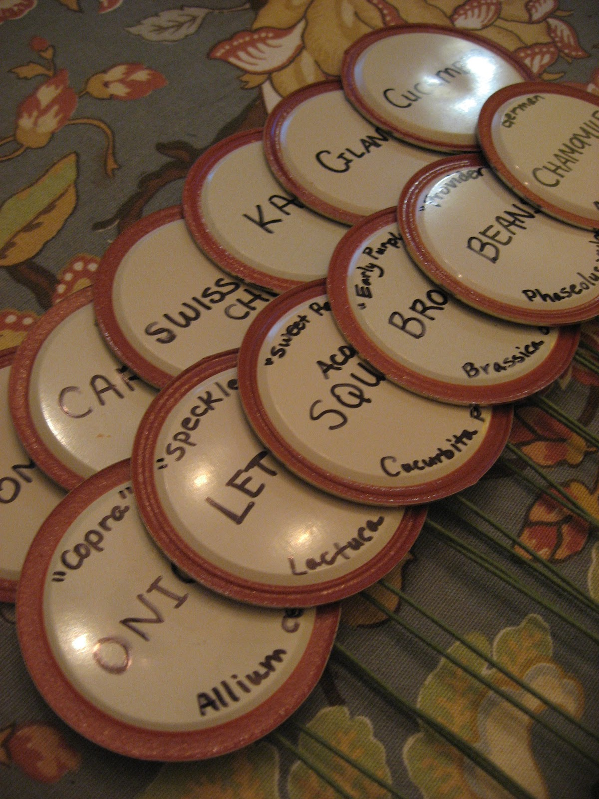 Happy Home: DIY Plant Labels out of Used Canning Lids