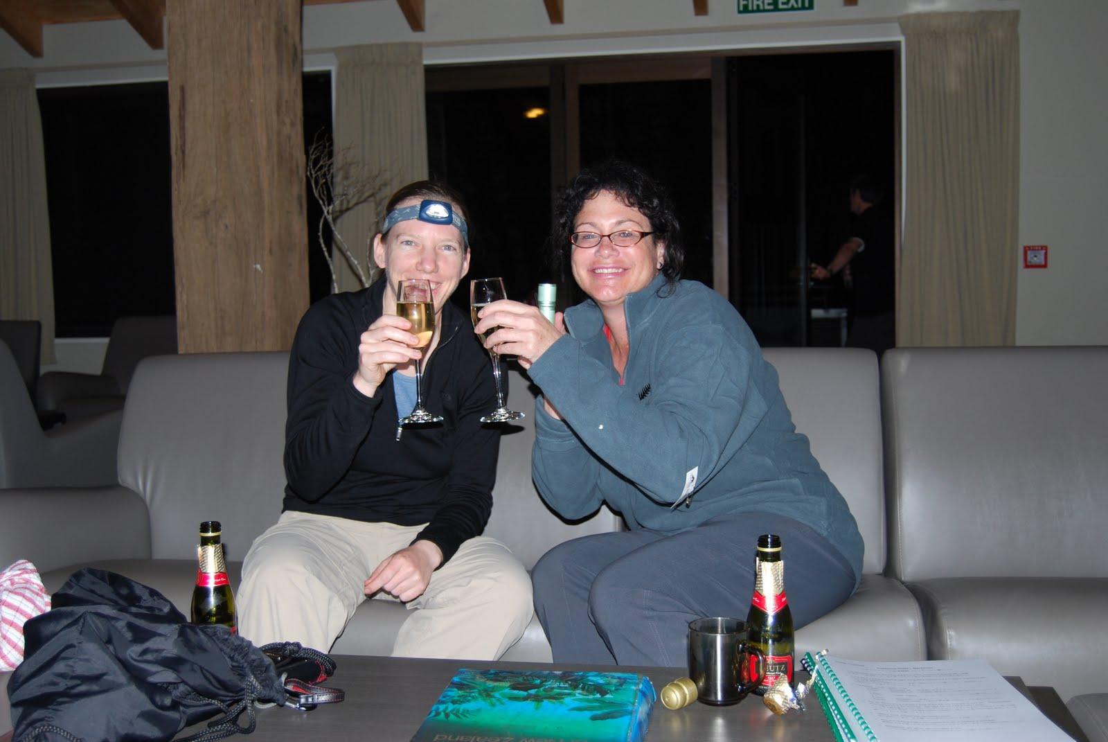 http://1.bp.blogspot.com/-HksfDFRXAfU/Tdt5TafLuWI/AAAAAAAADBs/JyafV5Zxo68/s1600/NZ-NewYears-SharonRenee3.JPG