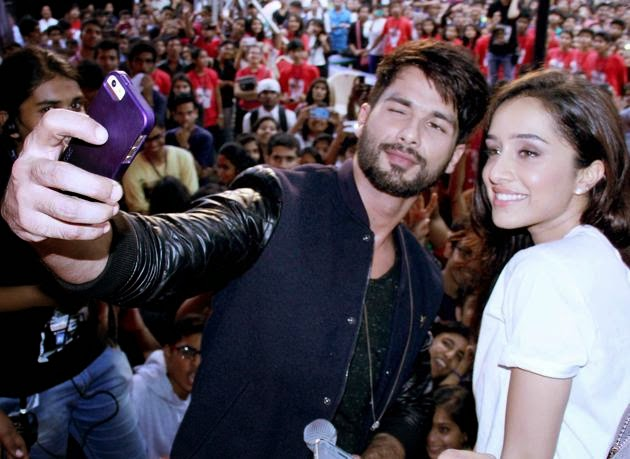 shahid kapoor sharddha kapoor hot selfie