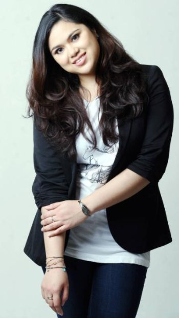 Gambar Najwa Mahiaddin Seksi Hot Chubby