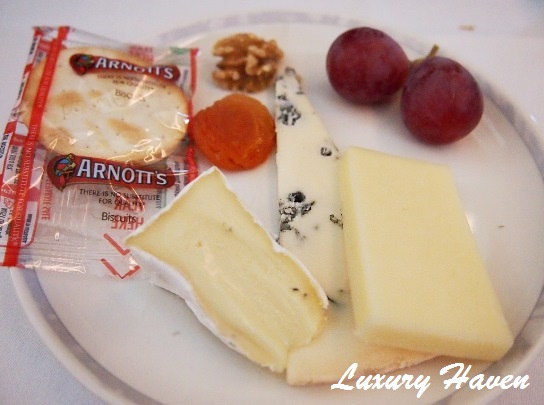 singapore airlines business class cheese platter