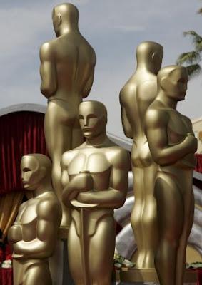 Imagen de estatuillas de Los Oscar. La piel que habito, Pa negre y La voz dormida son las películas españolas preseleccionadas para optar al premio