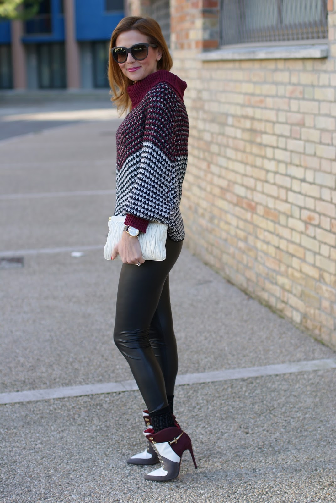 how to wear leather leggings, Jadea leggings, leather leggings and Smash! Prolix sweater on Fashion and Cookies fashion blog, fashion blogger style