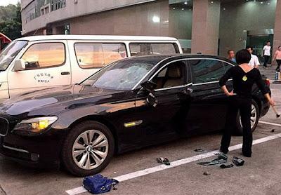 Ketahuan Selingkuh, Istri Hancurkan BMW 2,1M Milik Suami