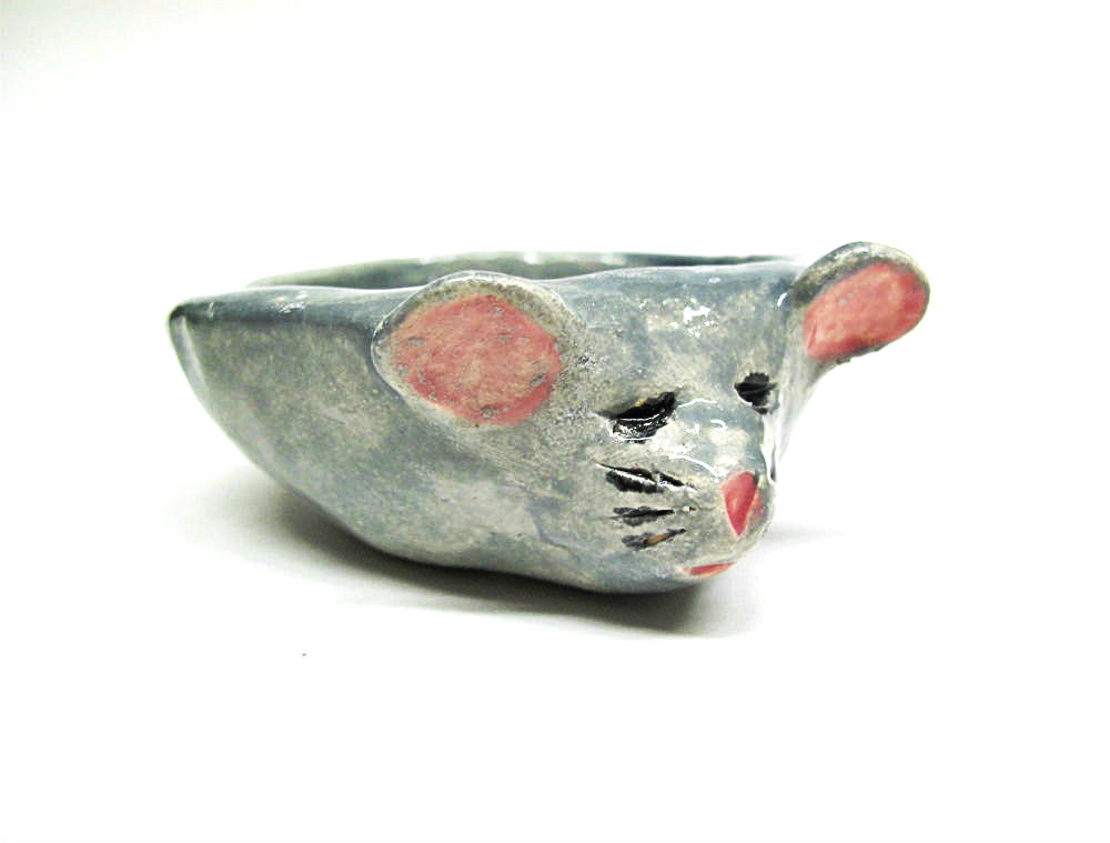 Free DIY Arts & Crafts Tutorial Clay Pinch Pot Mouse by Beth Hemmila