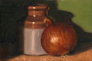 Oil painting of a brown onion beside a two-tone earthenware jar.